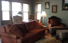 Cute, comfy one-bedroom downtown bungalow